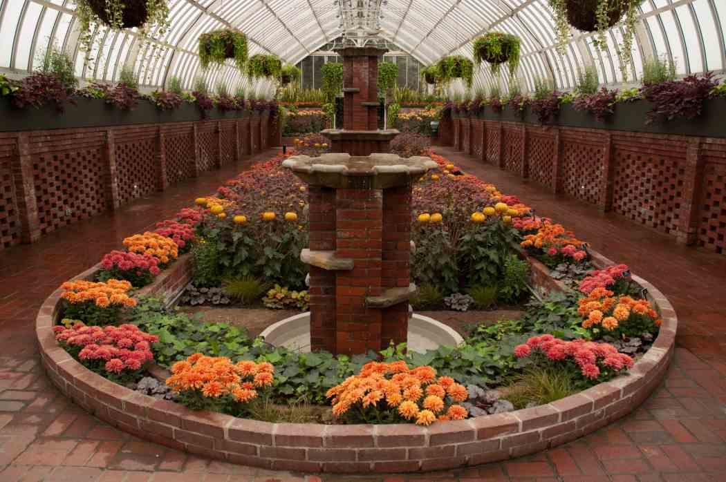 Fall Flower Show 2005: An Autumn Mosaic